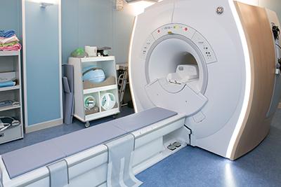 MRI(磁気共鳴画像)検査